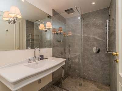 Image 16   5 bedroom villa for sale with 1,000m2 of land, Tremezzo, Tremezzina, Como, Lombardy 217797