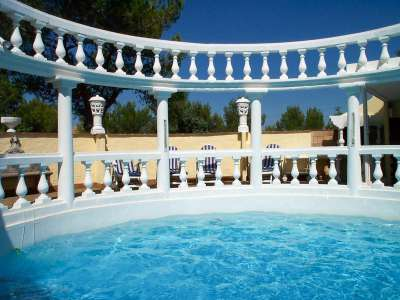 Image 3   7 bedroom villa for sale with 2,000m2 of land, Beaucaire, Gard , Provence 218009