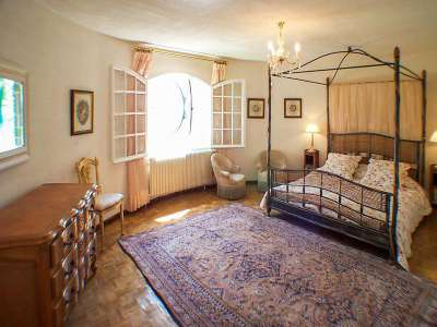 Image 6   7 bedroom villa for sale with 2,000m2 of land, Beaucaire, Gard , Provence 218009