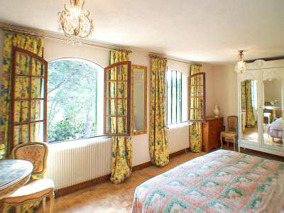 Image 9   7 bedroom villa for sale with 2,000m2 of land, Beaucaire, Gard , Provence 218009