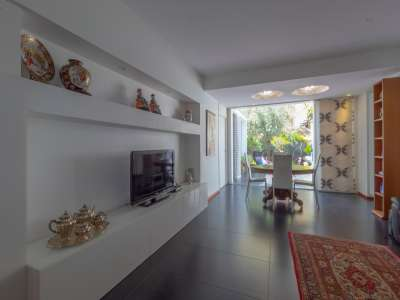 Image 3   4 bedroom villa for sale with 100m2 of land, Catania, Sicily 218763
