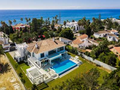 Image 1   6 bedroom villa for sale with 0.25 hectares of land, Puerto Banus, Malaga Costa del Sol, Andalucia 220018