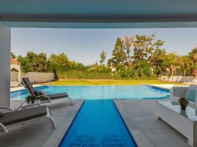 Image 26   6 bedroom villa for sale with 0.25 hectares of land, Puerto Banus, Malaga Costa del Sol, Andalucia 220018