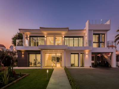 Image 29   6 bedroom villa for sale with 0.25 hectares of land, Puerto Banus, Malaga Costa del Sol, Andalucia 220018