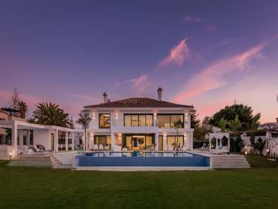 Image 31   6 bedroom villa for sale with 0.25 hectares of land, Puerto Banus, Malaga Costa del Sol, Andalucia 220018