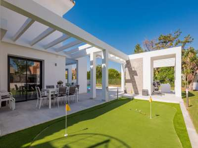 Image 34   6 bedroom villa for sale with 0.25 hectares of land, Puerto Banus, Malaga Costa del Sol, Andalucia 220018