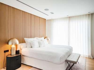Image 16   5 bedroom villa for sale with 1,163m2 of land, Puerto Banus, Malaga Costa del Sol, Andalucia 220256