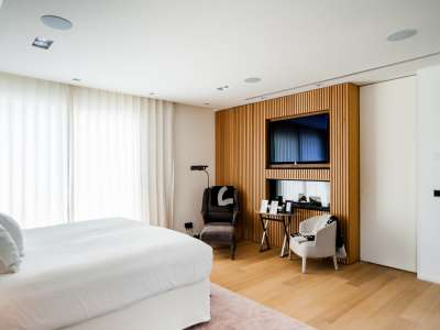 Image 17   5 bedroom villa for sale with 1,163m2 of land, Puerto Banus, Malaga Costa del Sol, Andalucia 220256
