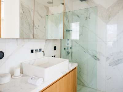 Image 18   5 bedroom villa for sale with 1,163m2 of land, Puerto Banus, Malaga Costa del Sol, Andalucia 220256