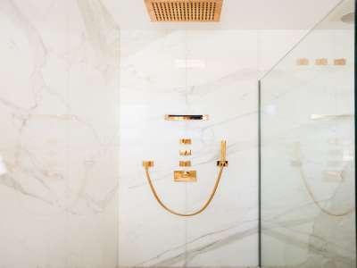 Image 20   5 bedroom villa for sale with 1,163m2 of land, Puerto Banus, Malaga Costa del Sol, Andalucia 220256