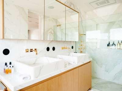 Image 22   5 bedroom villa for sale with 1,163m2 of land, Puerto Banus, Malaga Costa del Sol, Andalucia 220256