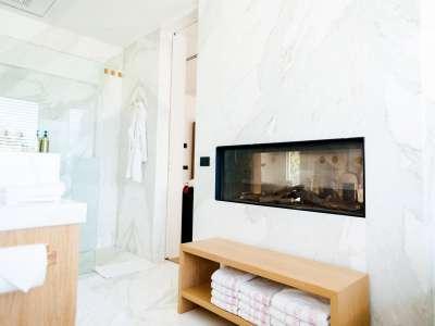 Image 23   5 bedroom villa for sale with 1,163m2 of land, Puerto Banus, Malaga Costa del Sol, Andalucia 220256