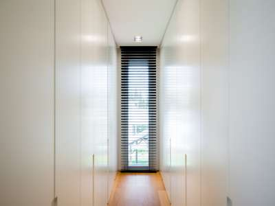 Image 26   5 bedroom villa for sale with 1,163m2 of land, Puerto Banus, Malaga Costa del Sol, Andalucia 220256