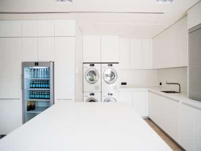 Image 28   5 bedroom villa for sale with 1,163m2 of land, Puerto Banus, Malaga Costa del Sol, Andalucia 220256