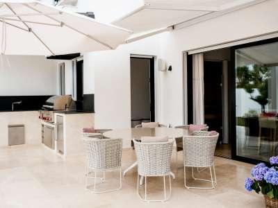 Image 31   5 bedroom villa for sale with 1,163m2 of land, Puerto Banus, Malaga Costa del Sol, Andalucia 220256