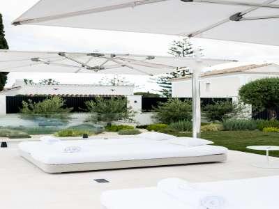 Image 33   5 bedroom villa for sale with 1,163m2 of land, Puerto Banus, Malaga Costa del Sol, Andalucia 220256
