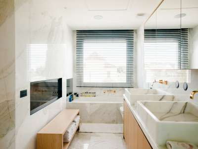 Image 5   5 bedroom villa for sale with 1,163m2 of land, Puerto Banus, Malaga Costa del Sol, Andalucia 220256