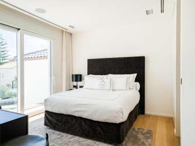Image 7   5 bedroom villa for sale with 1,163m2 of land, Puerto Banus, Malaga Costa del Sol, Andalucia 220256