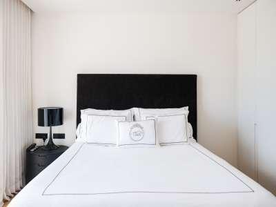 Image 8   5 bedroom villa for sale with 1,163m2 of land, Puerto Banus, Malaga Costa del Sol, Andalucia 220256