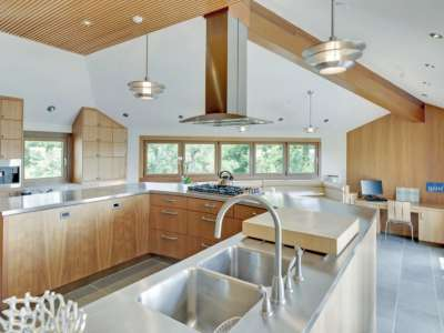 Image 10 | Beautiful  4 Bedroom Oceanside Home for Sale in the  Hamptons,  New York 220258