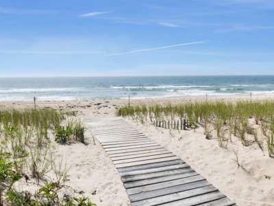 Image 2 | Beautiful  4 Bedroom Oceanside Home for Sale in the  Hamptons,  New York 220258