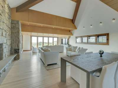 Image 3 | Beautiful  4 Bedroom Oceanside Home for Sale in the  Hamptons,  New York 220258