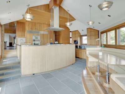 Image 4 | Beautiful  4 Bedroom Oceanside Home for Sale in the  Hamptons,  New York 220258