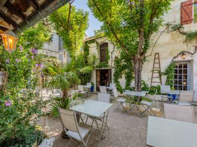 Image 2 | 5 bedroom house for sale with 1,110m2 of land, Fontvieille, Bouches-du-Rhone , Provence 221095