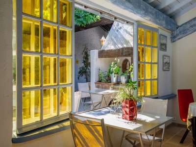 Image 6 | 5 bedroom house for sale with 1,110m2 of land, Fontvieille, Bouches-du-Rhone , Provence 221095