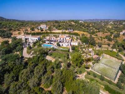 Image 2 | 6 bedroom villa for sale with 0.9 hectares of land, Santa Barbara de Nexe, Central Algarve, Algarve 221127