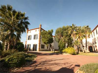 Image 2 | 4 bedroom commercial property for sale with 41.2 hectares of land, Cabestany, Pyrenees-Orientales , Languedoc-Roussillon 221487