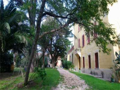 Image 7 | 6 bedroom French chateau for sale with 0.9 hectares of land, Perpignan, Pyrenees-Orientales , Languedoc-Roussillon 221641