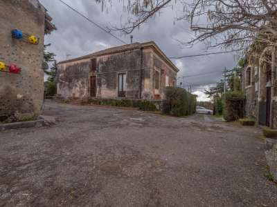 Image 2 | 12 bedroom farmhouse for sale with 0.77 hectares of land, Viagrande, Catania, Sicily 221930