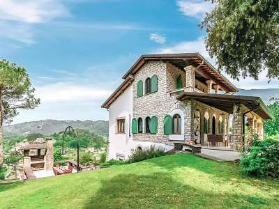 Image 29   5 bedroom villa for sale with 1 hectares of land, Camaiore, Lucca, Tuscany 222087