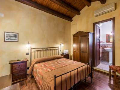 Image 28   9 bedroom house for sale with 8 hectares of land, Santa Croce Camerina, Ragusa, Sicily 222366