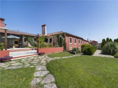 Image 1 | 8 bedroom manor house for sale with 0.59 hectares of land, Ourem, Santarem District, Central Portugal 222467