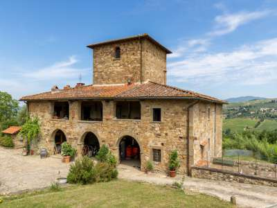 Image 1 | Farmhouse for sale with 30 hectares of land, Florence, Chianti Wine Region 224581