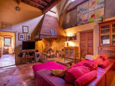 Image 3 | Farmhouse for sale with 30 hectares of land, Florence, Chianti Wine Region 224581