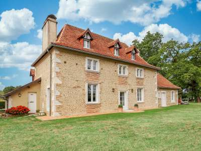 Image 1   4 bedroom manor house for sale with 0.68 hectares of land, Pau, Pyrenees-Atlantique , Gascony 225242