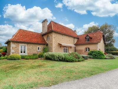 Image 8   4 bedroom manor house for sale with 0.68 hectares of land, Pau, Pyrenees-Atlantique , Gascony 225242