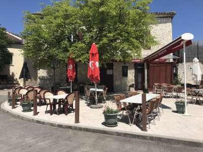 Image 1   2 bedroom restaurant bar for sale with 360m2 of land, Montaigu de Quercy, Tarn-et-Garonne , Midi-Pyrenees 225301