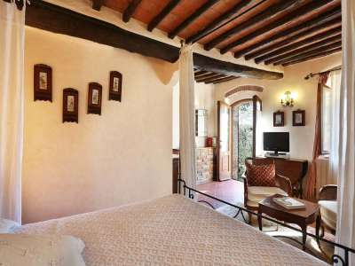 Image 10   5 bedroom villa for sale with 6.88 hectares of land, Gaiole in Chianti, Siena, Chianti Wine Region 225420