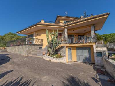 Image 18   5 bedroom villa for sale with 1,000m2 of land, Augusta, Syracuse, Sicily 227417