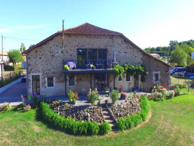 Image 1 | 5 bedroom house for sale with 0.94 hectares of land, Confolens, Charente , Poitou-Charentes 227483