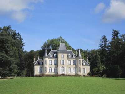 Image 1   8 bedroom French chateau for sale with 32 hectares of land, Laval, Mayenne , Pays-de-la-Loire 228033