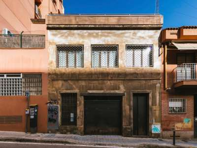 Image 1   4 bedroom house for sale with 176m2 of land, Barcelona, Catalonia 228067