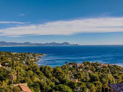 Image 2 | 5 bedroom villa for sale with 1,000m2 of land, Les Issambres, Sainte Maxime, French Riviera 228110