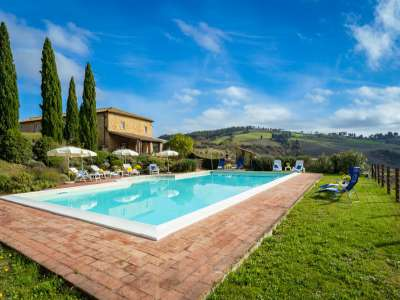 Image 2 | 11 bedroom farmhouse for sale with 15 hectares of land, Pomarance, Pisa, Tuscany 228648