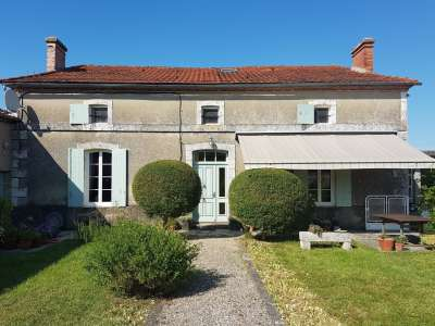 Image 1   5 bedroom house for sale with 0.42 hectares of land, Lambesc, Bouches-du-Rhone , Provence 228710