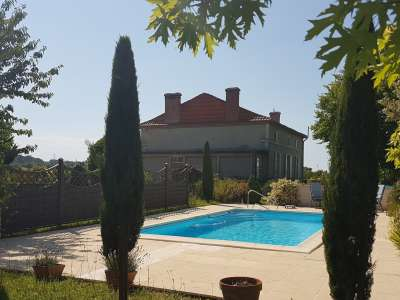 Image 2   5 bedroom house for sale with 0.42 hectares of land, Lambesc, Bouches-du-Rhone , Provence 228710